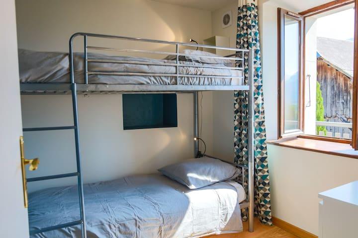 chambre 1 lit superposé