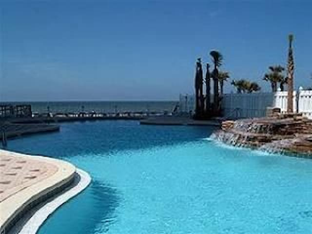 Majestic Beach, Luxury,  Directly Ocean Front,