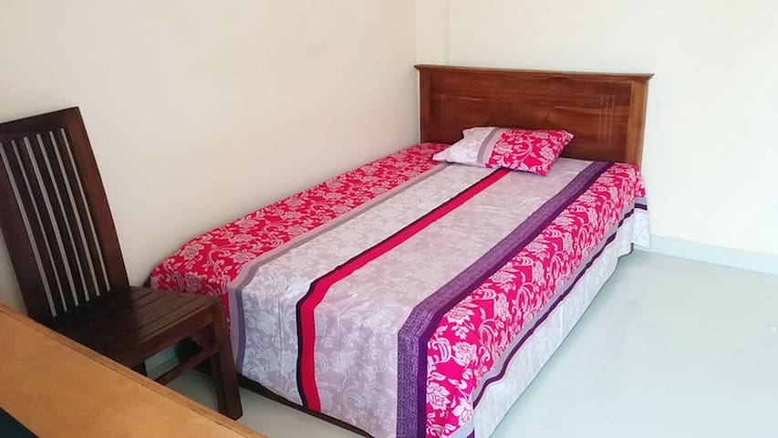 Nice cool and clean room at beach - Colombo - Appartement
