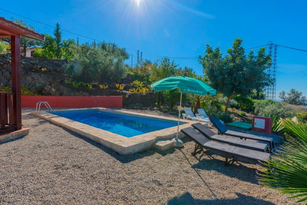 Maison avec piscine priv e aries maisons louer for Maison avec piscine espagne