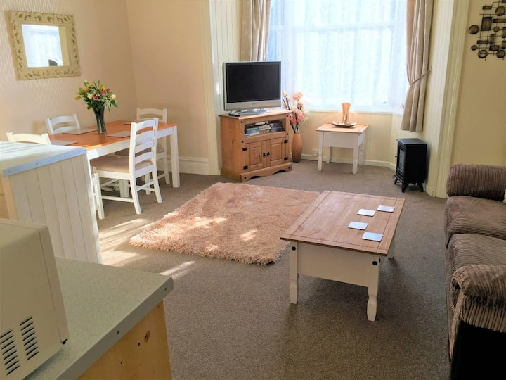 Spacious 1 Bedroom Flat nr Seafront, Penzance