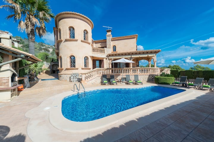 VILLA ONIEVA - Majestic chalet in Son Servera, with private pool and only 2.8 km from the beach of Cala Bona Free WiFi