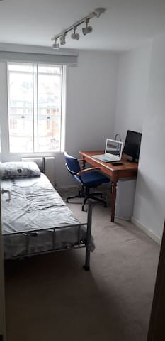 Single room in a clean flat