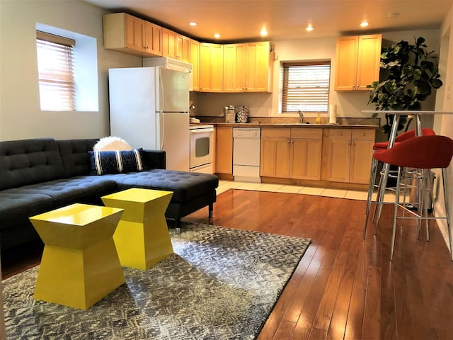 Fantastic Stylish Full Apt. w/ Parking
