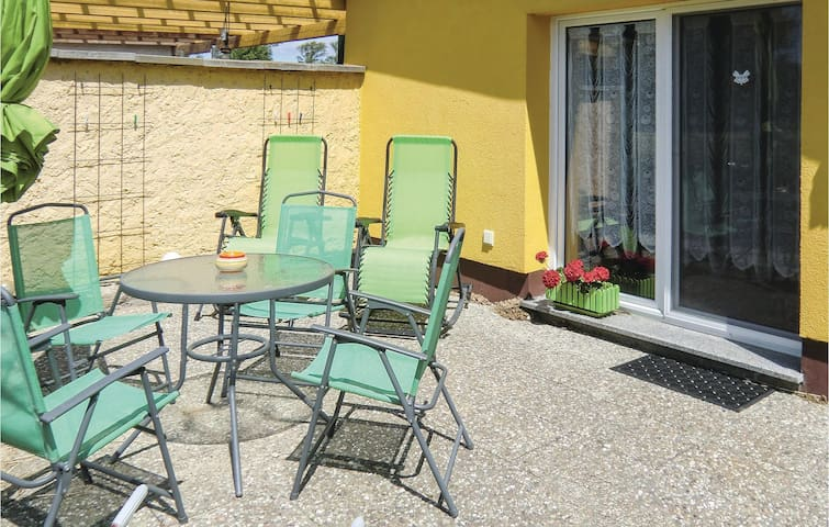 Holiday cottage with 1 room on 35m² in Ummanz