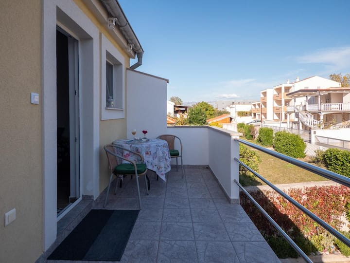 Studio flat with terrace Nin, Zadar (AS-5838-b)