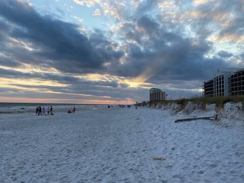 Beachside Beauty!  Sleeps 8.