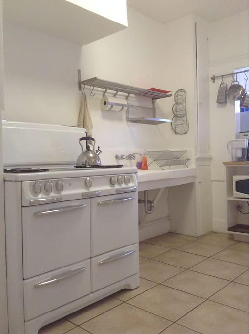 vintage kitchen complete with 50's gas stove