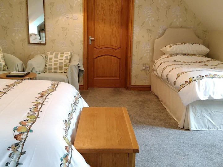 White Cottage B&B - Triple Room with Ensuite