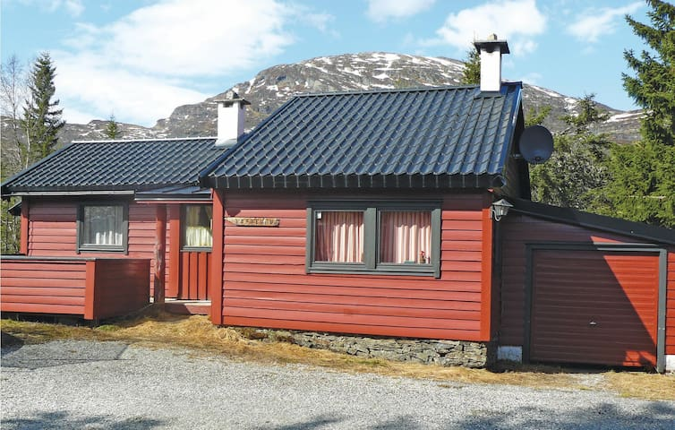 Holiday cottage with 4 bedrooms on 95 m² in Norheimsund