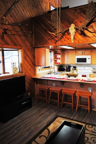 Gorgeous, Sleeps 6, Lowest Price!! - Mammoth Lakes - Apto. en complejo residencial