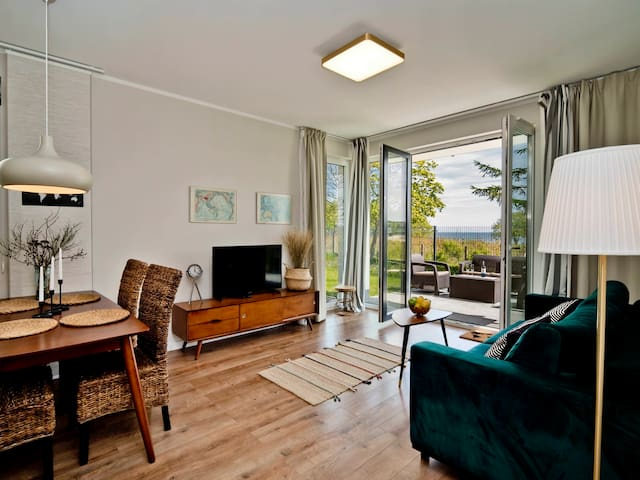 Comfy seaview apartment with a garden A2