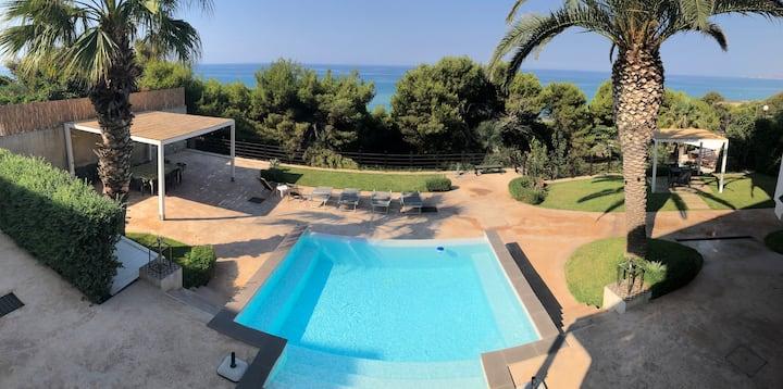 Mediterranean view home - private gate to beach