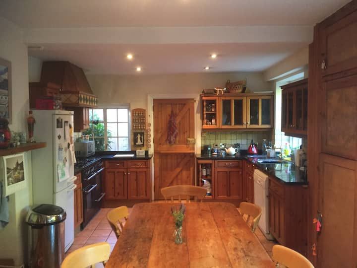 Double bedroom in a large family house near Gatwick