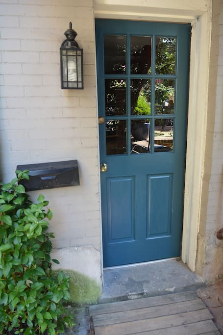 Private entrance with easy-to-use lockbox.