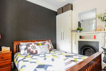 Light & Airy Flemington Terrace House - Flemington - Ev