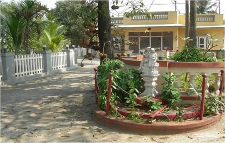 4 BHK AC Spacious, beautiful Villa, within budget