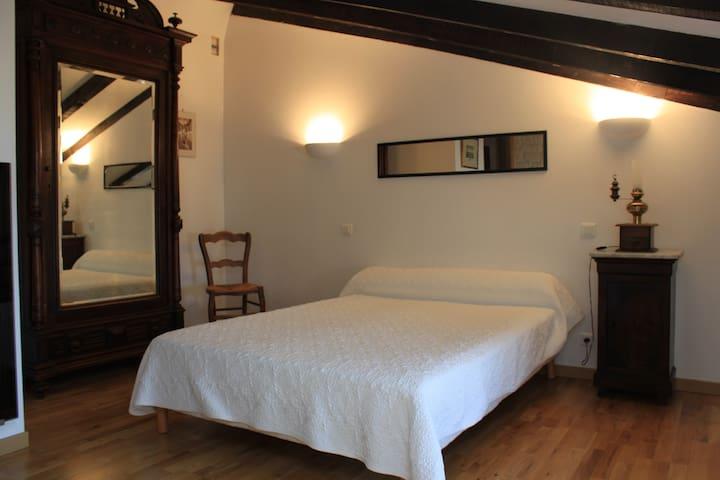 chambre double mansardée supérieure
