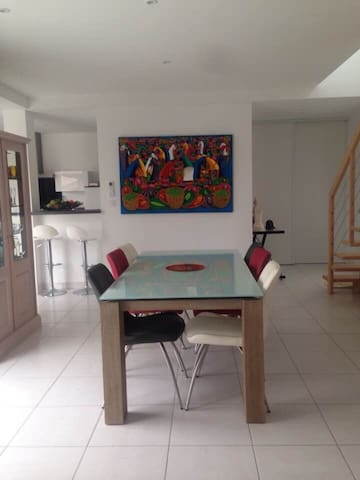 1 Chambre , une SDB , un WC  dans Villa neuve