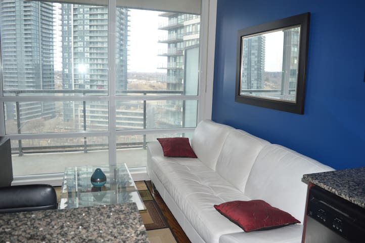 NEW ❣ Luxury Condo - Lake Shore View