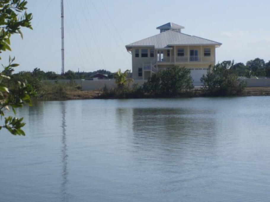 Rear lakefront view.