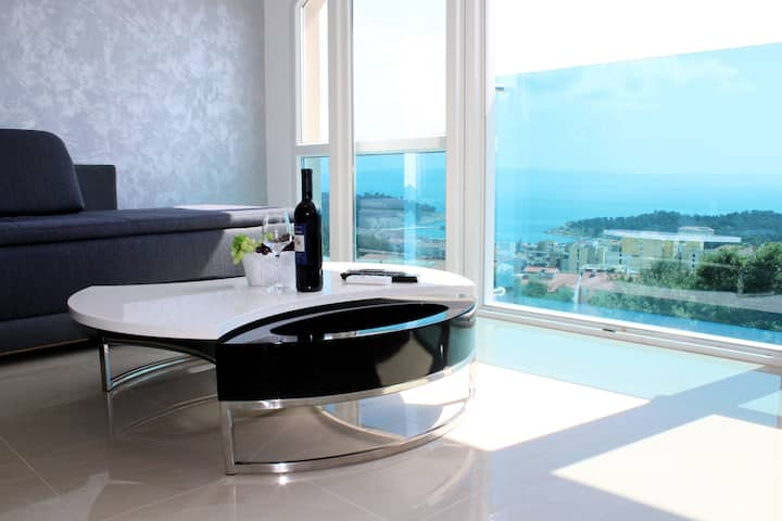 SeaView/shared 8x4 pool & jacuzzi -apt Ivana 4+1