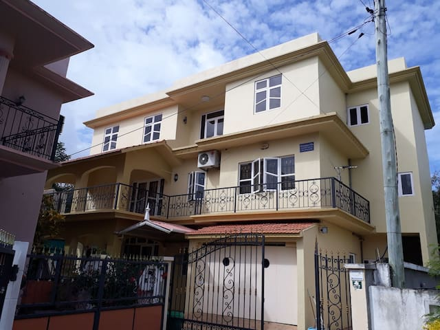 Private villa for rent pereybere with 3 bedrooms