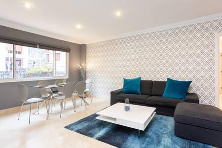Luxury spacious apartment near the city center