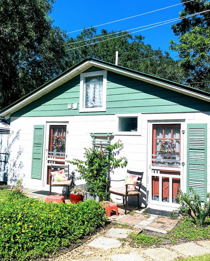Coastal Cottage - Guesthouses for Rent in Brunswick ...