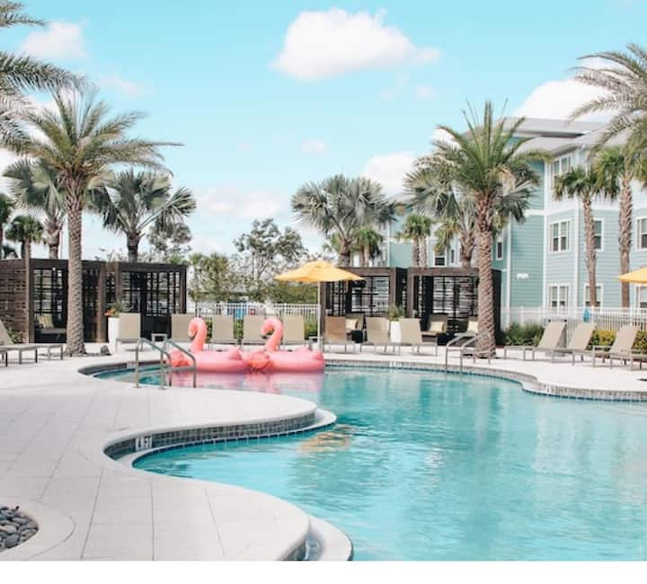 Luxury Resort-Style Apartment Minutes from Disney