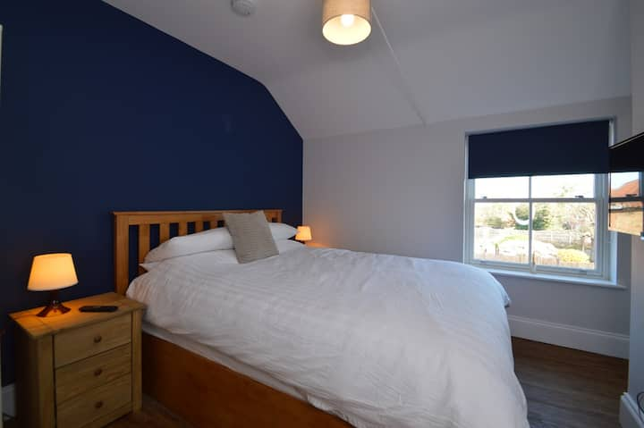 The Plough Retreat - Self Catering Apartment