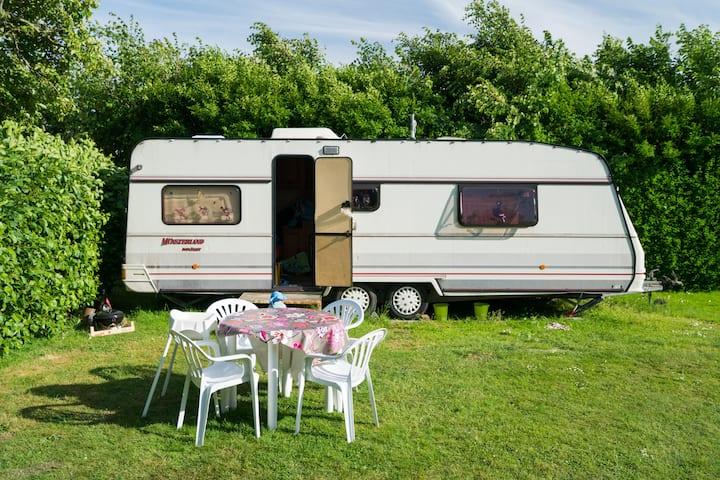 Goedkope caravan (G) op Zeeuwse minicamping