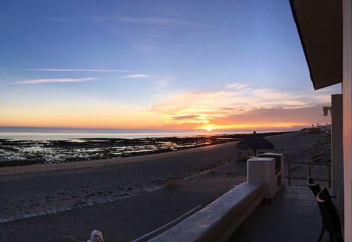 La Joya Del Mar, beach front home, Las Conchas