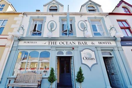 Ocean Bar and Hostel - Ballybunnion - Общежитие