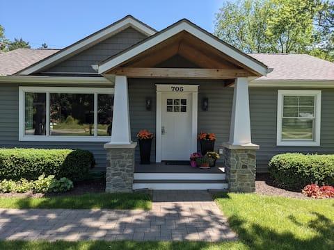 Spacious Home Near Downtown Auburn Hills