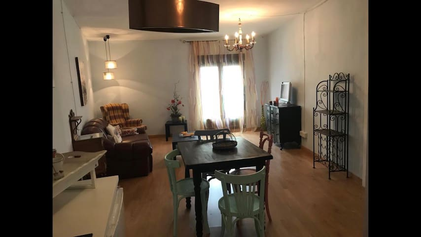 Preciosa y acogedora casa con bodega