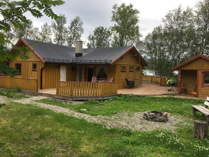 Hytte i Jarfjordbotn. Jarfjordveien 381. Kirkenes