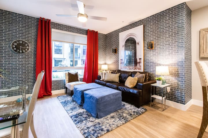 Pet Friendly Executive Stay Apartment + WiFi + A/C