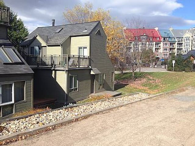 One Bdrm condo, parking & wifi - Mont-Tremblant - Condomínio