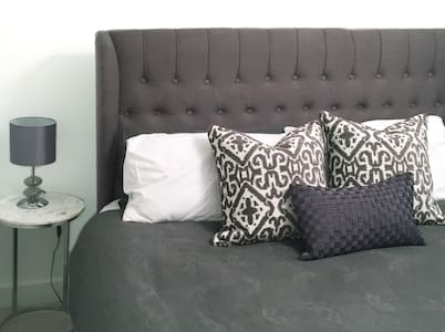 Elegant Private Milan Double Room - Oxfordshire