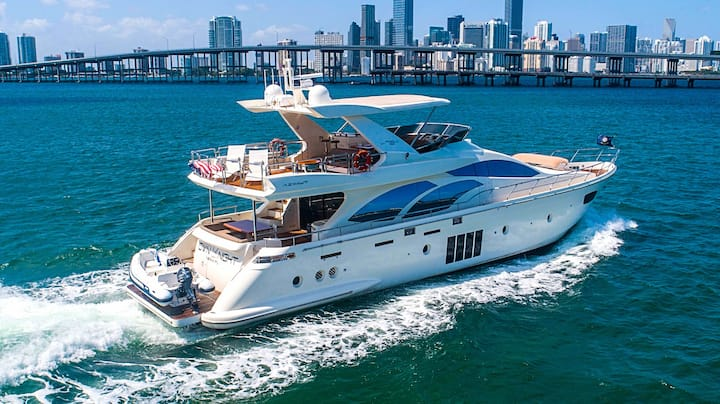 78' Azimut For Rent - Luxury 4/4 Yacht in Miami!