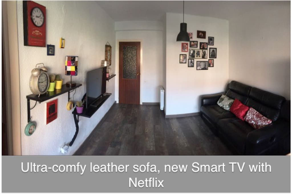 Ultra-comfy leather sofa, new Smart TV with Netflix