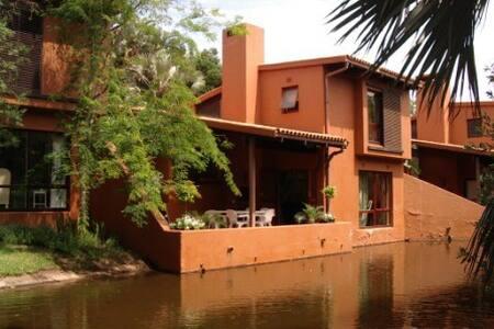 San Lameer 2 bedroom deluxe villa 3402 - Southbroom