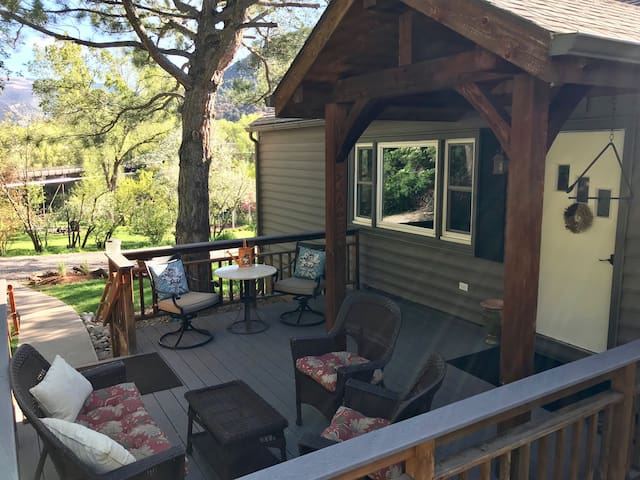 Thomas Cottage 1.2 Acres on the Roaring Fork River
