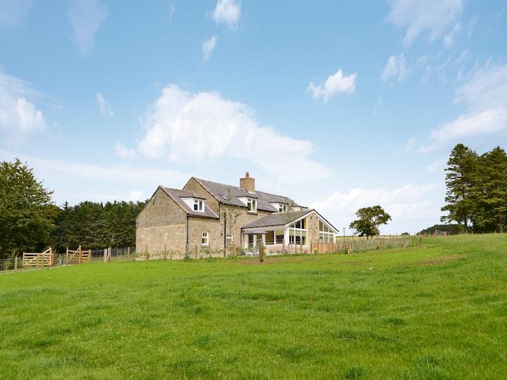 Hazelnut Cottage (UK3172)
