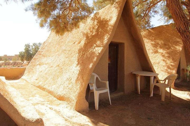Petite Hutte 100% écologique à KSAR SANIA