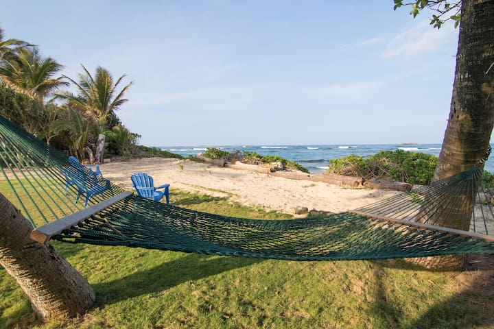 NEW LISTING!  Aloha Beach Cottage 30 day contract