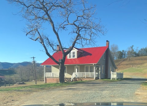 Mt Airy and Blue Ridge Parkway-3 bedroom