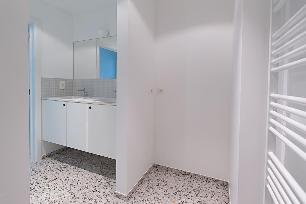 Appartement tr s lumineux design centre ville for Appartement design bruxelles