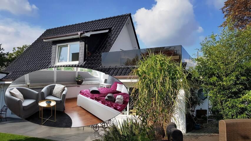 Helle Ferienwohnung / Apartment mit Dachterrasse